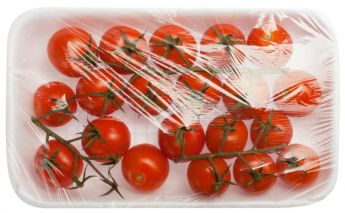 Transparent film made of LLDPE suitable for food contact
