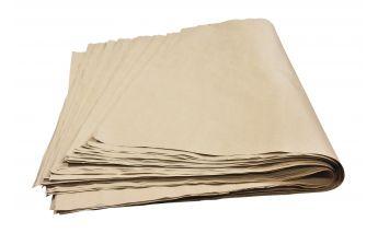 Perdirbtas rudas pakavimo popierius lapais iš sulfatinės celiuliozės ir makulatūros